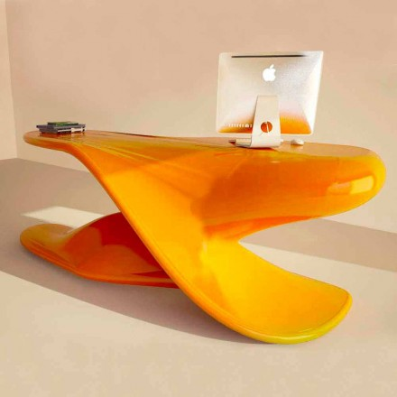 Mesa de escritório de design moderno Archer, feita de Solid Surface, fabricada na Itália