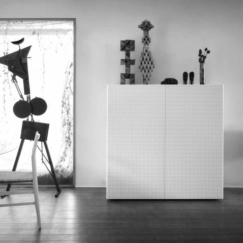 Aparador de design com 2 modelos de flora branca, preta ou dourada