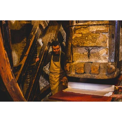 Almofada de cânhamo pintada à mão Peça única Arte italiana - Marcas