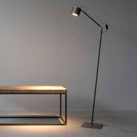 Candeeiro de pé artesanal de ferro gravado a luz fabricado na Itália - Vanda
