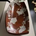 Bacia de cerâmica Laura com padrão de couro, feito na Itália