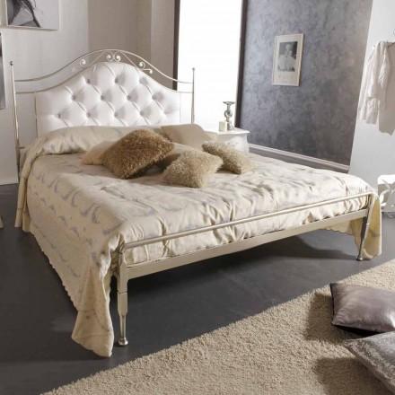 Estofada cama de casal de ferro Gracie, feito à mão na Itália