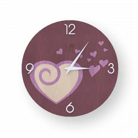 Relógio de parede design com corações feitos de madeira Todi, produzido na Itália