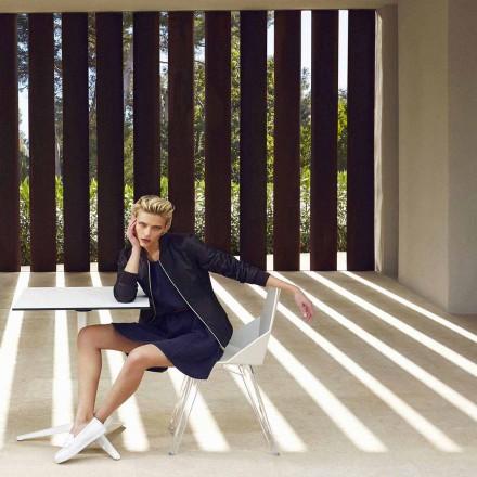 Cadeira moderna Faz by Vondom, feita com polipropileno e policarbonato