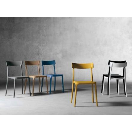 Cadeira de design exterior / interior em polipropileno fabricada em Itália, Peia