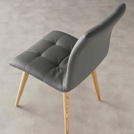 Cadeira Viola de design moderno, estofamento em couro ecológico e pernas de madeira