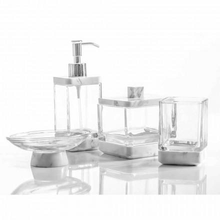 Os acessórios modernos do banheiro ajustaram-se no mármore e no vidro de Calacatta Carona