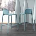 Banqueta de design moderno em resina com fibra de vidro, feita na Itália Olbia