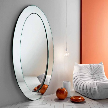 Espelho Oval moderno e independente com armação inclinada fabricada em Itália - Salamina
