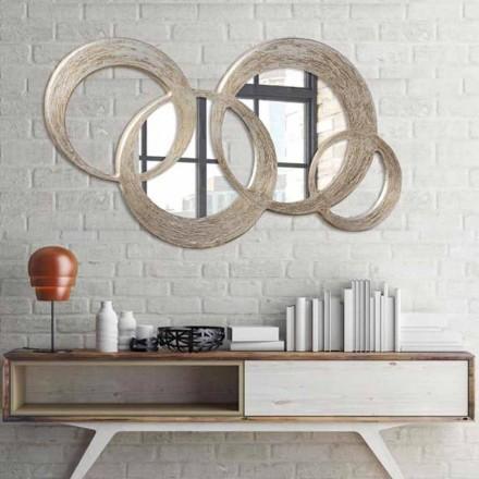 Esfera moderna do espelho, decorada com folha de prata