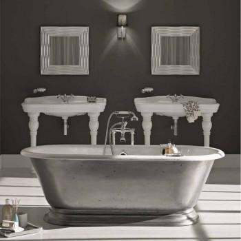 Banheira no banheiro de designer com ferro fundido Acabamento brilhante Pierce